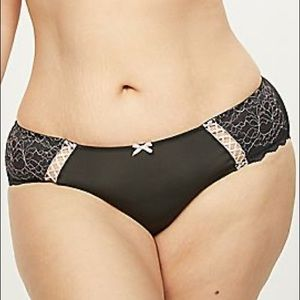 3X 22/24W Hipster Panty with Cross-Dyed Lace